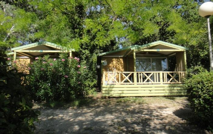 Location chalet 5 personnes camping St Rémy de Provence