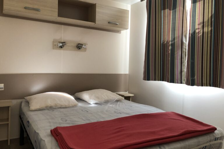 Location mobile home 6 personne camping à St Remy de provence